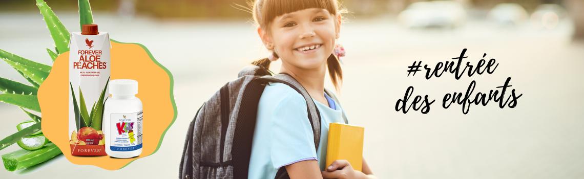 petite fille rentrée des classes